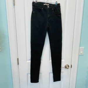 721 High Rise Skinny Black Jeans 27